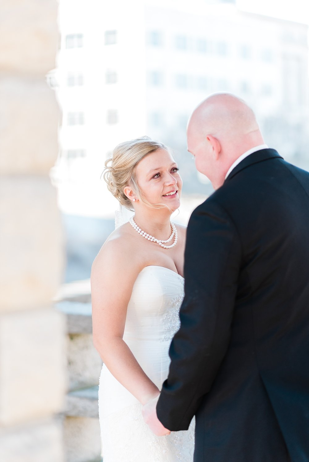 Light and Airy Spring Wedding Downtown Jefferson City Missouri State Capitol Millbottom_0010.jpg