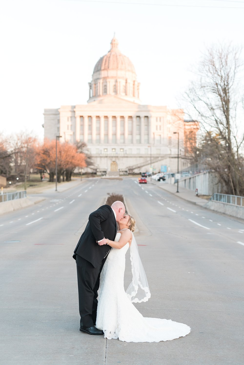 Light and Airy Spring Wedding Downtown Jefferson City Missouri State Capitol Millbottom_0033.jpg