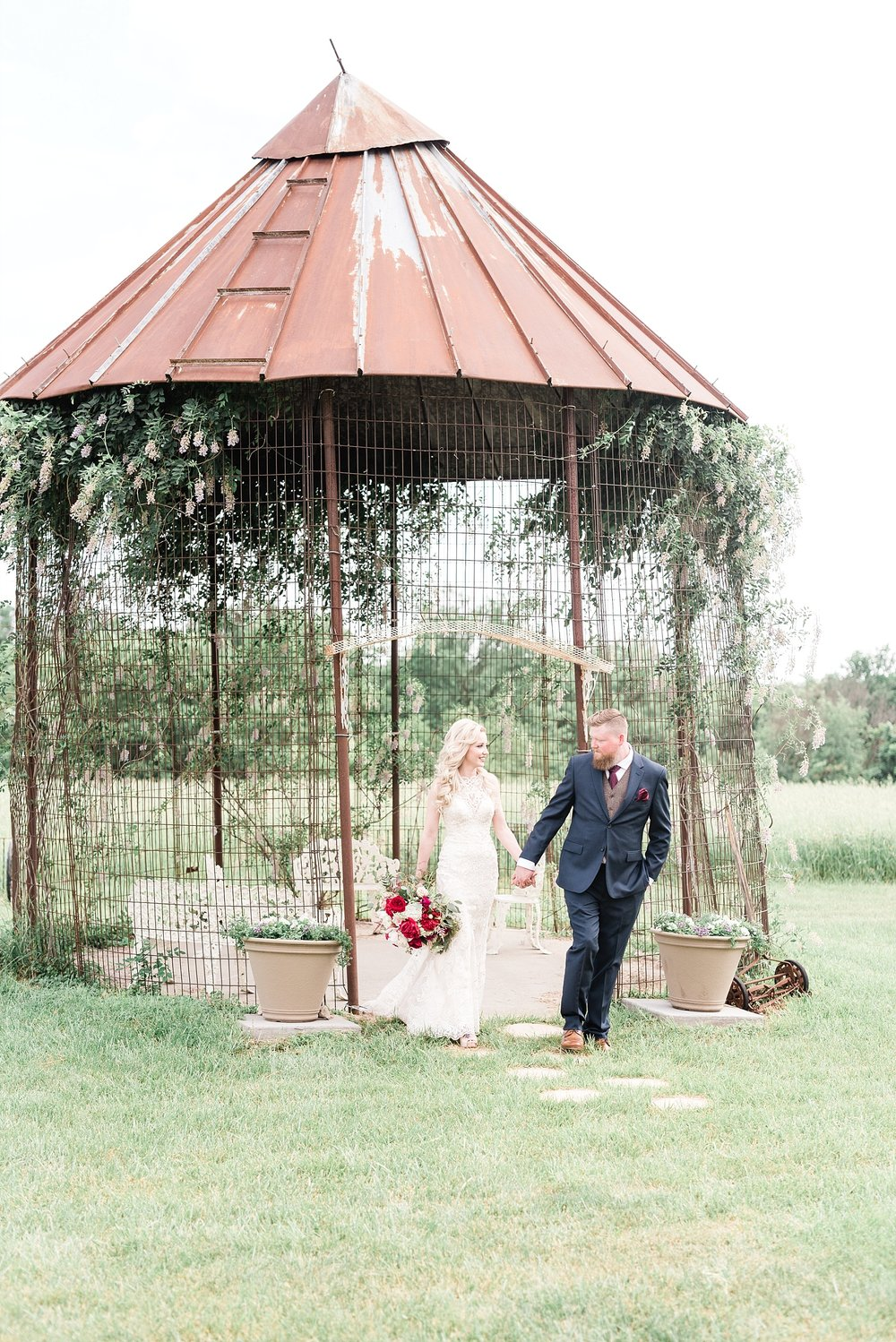 Light and Airy Spring Shabby Chic Wedding at Bessie's Barn Iowa by Kelsi Kliethermes Photography_0014.jpg