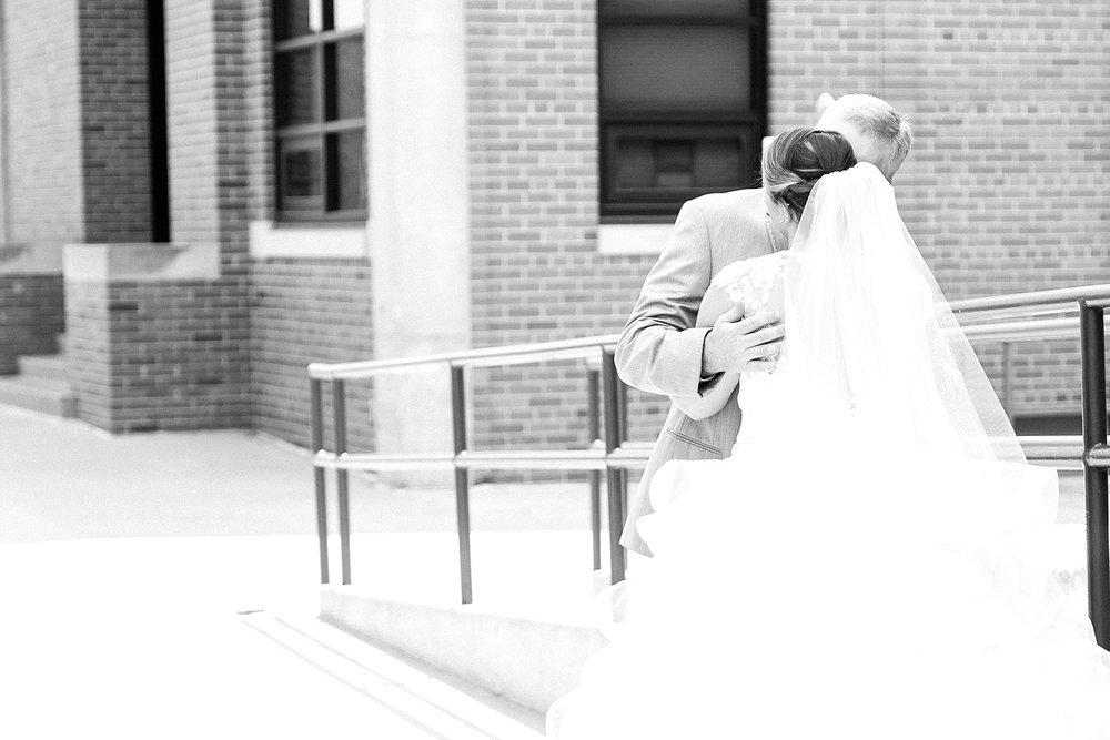 Baurichter Wedding at Stoney Creek Inn Columbia Missouri by Kelsi Kliethermes Photography_0009.jpg