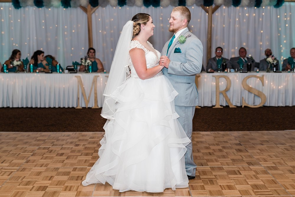 Baurichter Wedding at Stoney Creek Inn Columbia Missouri by Kelsi Kliethermes Photography_0027.jpg
