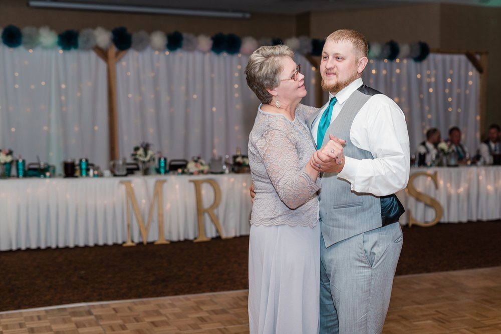 Baurichter Wedding at Stoney Creek Inn Columbia Missouri by Kelsi Kliethermes Photography_0029.jpg