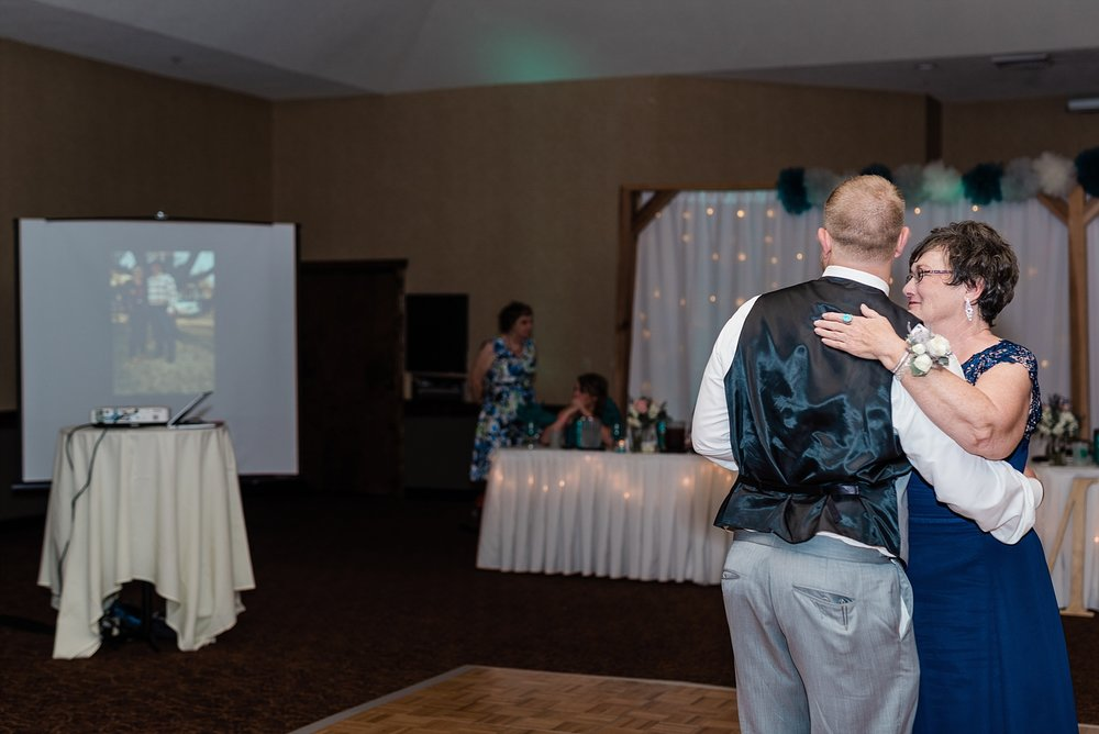 Baurichter Wedding at Stoney Creek Inn Columbia Missouri by Kelsi Kliethermes Photography_0030.jpg