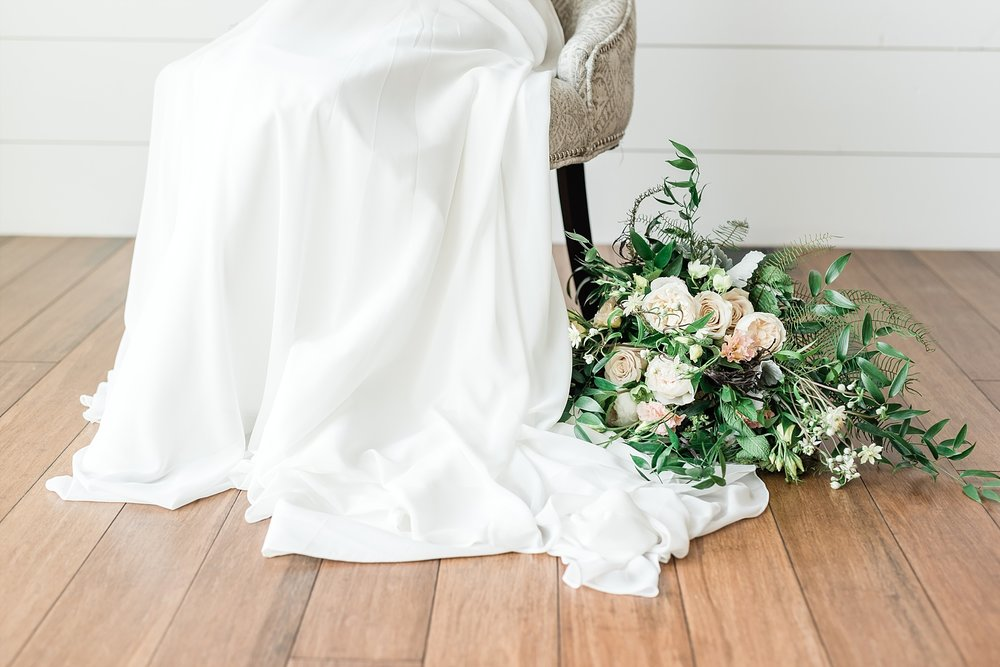 Textural Organic Wedding in All White Venue by Kelsi Kliethermes Wedding Photographer - Missouri, Midwest, and Destinations_0021.jpg