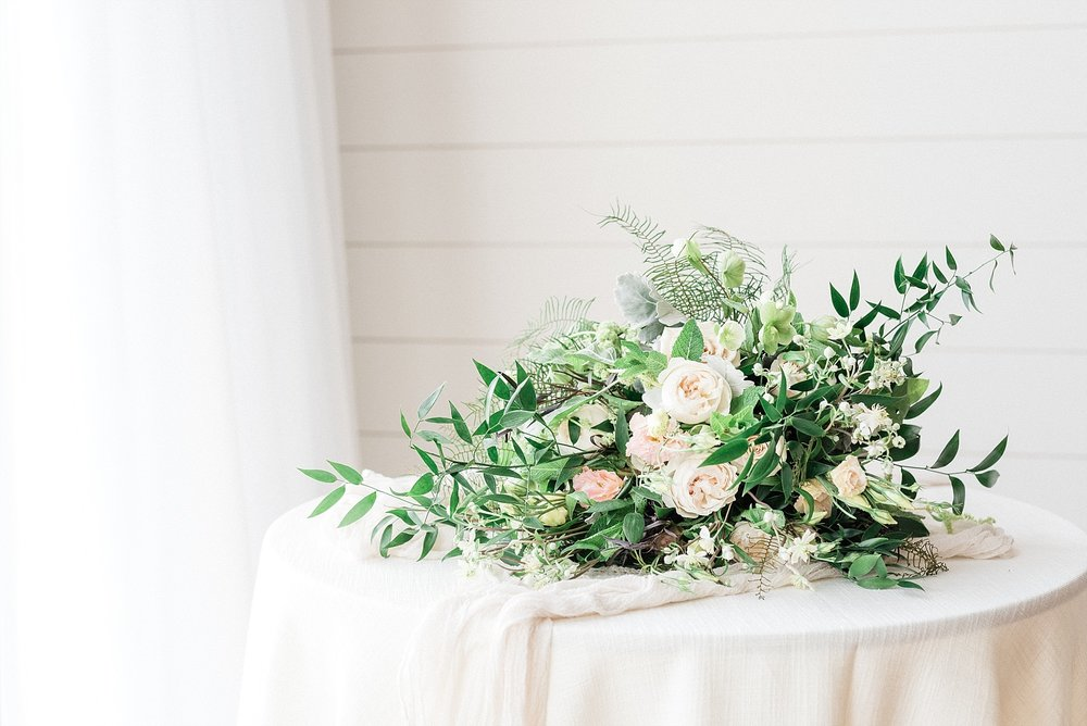 Textural Organic Wedding in All White Venue by Kelsi Kliethermes Wedding Photographer - Missouri, Midwest, and Destinations_0027.jpg