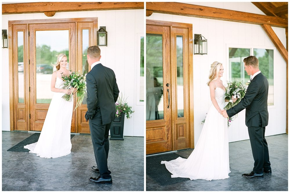Textural Organic Wedding in All White Venue by Kelsi Kliethermes Wedding Photographer - Missouri, Midwest, and Destinations_0052.jpg
