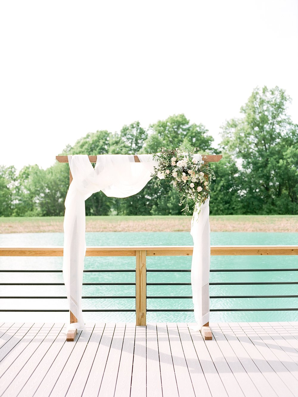 Textural Organic Wedding in All White Venue by Kelsi Kliethermes Wedding Photographer - Missouri, Midwest, and Destinations_0067.jpg