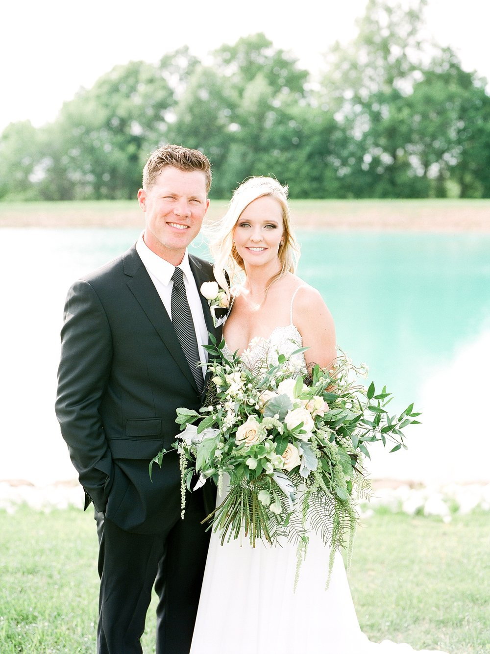 Textural Organic Wedding in All White Venue by Kelsi Kliethermes Wedding Photographer - Missouri, Midwest, and Destinations_0076.jpg