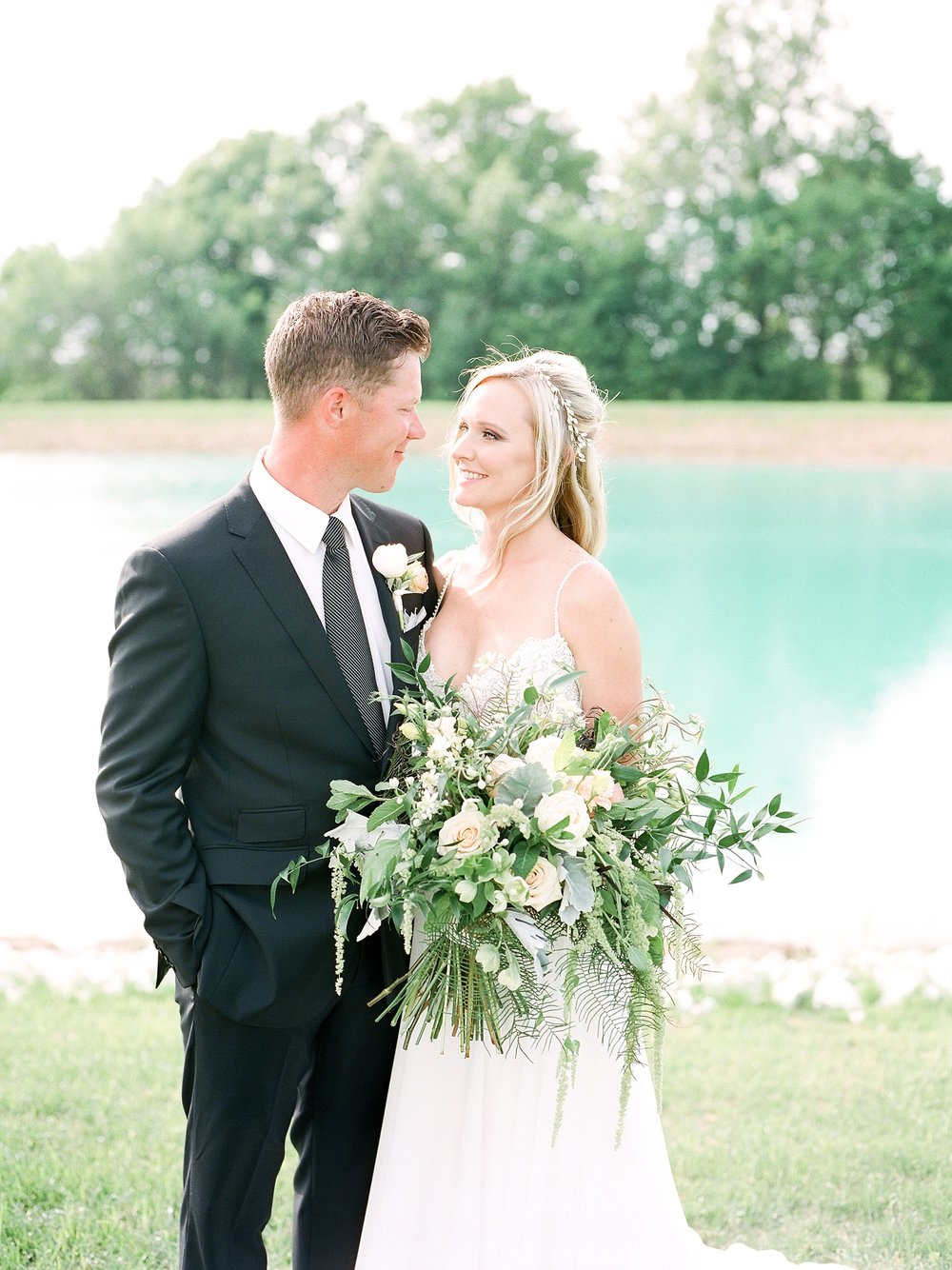 Textural Organic Wedding in All White Venue by Kelsi Kliethermes Wedding Photographer - Missouri, Midwest, and Destinations_0080.jpg