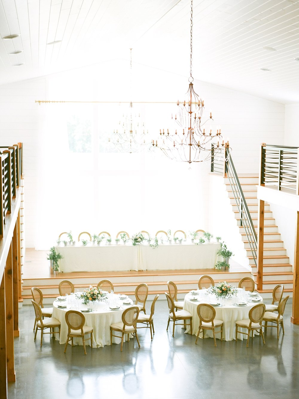 Textural Organic Wedding in All White Venue by Kelsi Kliethermes Wedding Photographer - Missouri, Midwest, and Destinations_0093.jpg