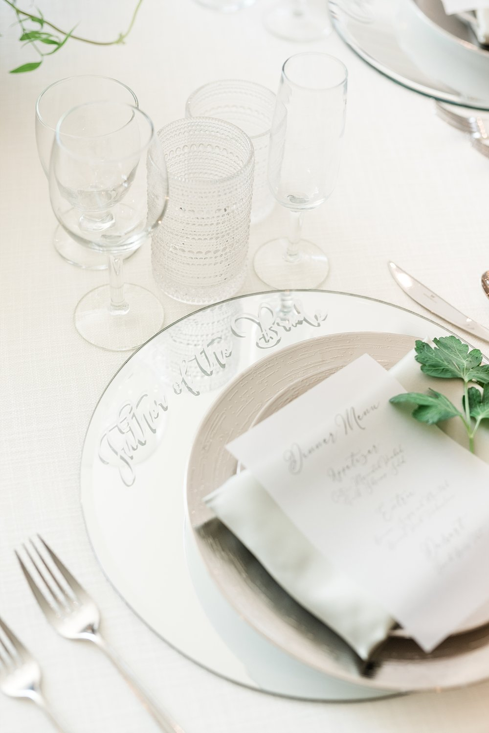Textural Organic Wedding in All White Venue by Kelsi Kliethermes Wedding Photographer - Missouri, Midwest, and Destinations_0095.jpg