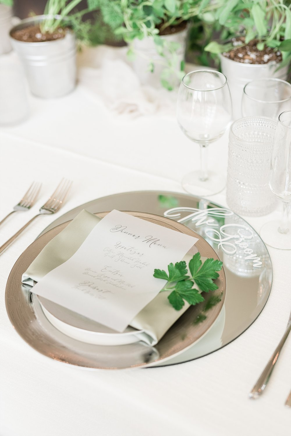 Textural Organic Wedding in All White Venue by Kelsi Kliethermes Wedding Photographer - Missouri, Midwest, and Destinations_0098.jpg