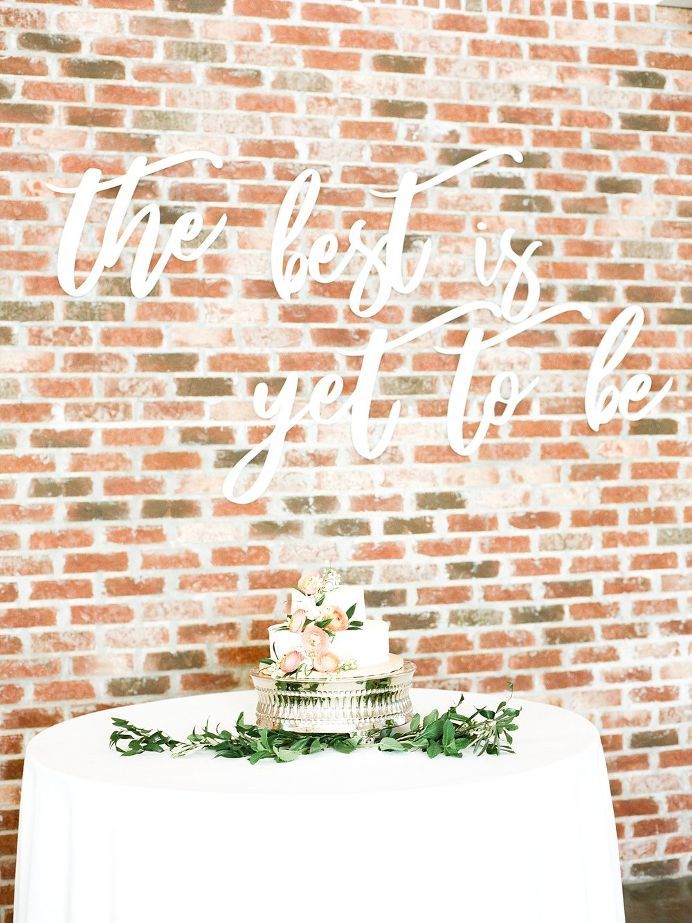 Textural Organic Wedding in All White Venue by Kelsi Kliethermes Wedding Photographer - Missouri, Midwest, and Destinations_0118.jpg