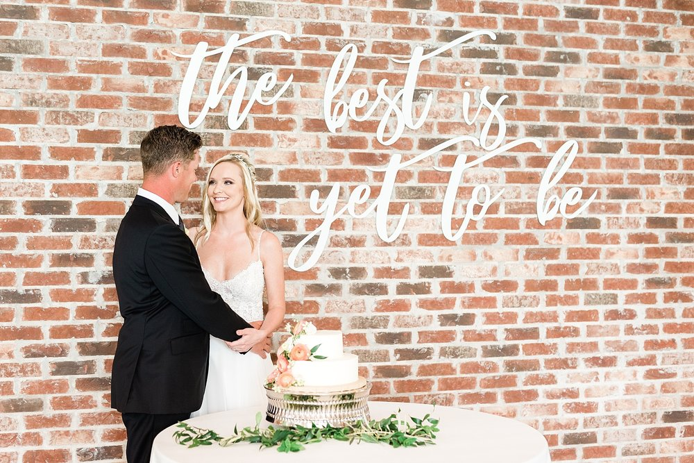 Textural Organic Wedding in All White Venue by Kelsi Kliethermes Wedding Photographer - Missouri, Midwest, and Destinations_0122.jpg