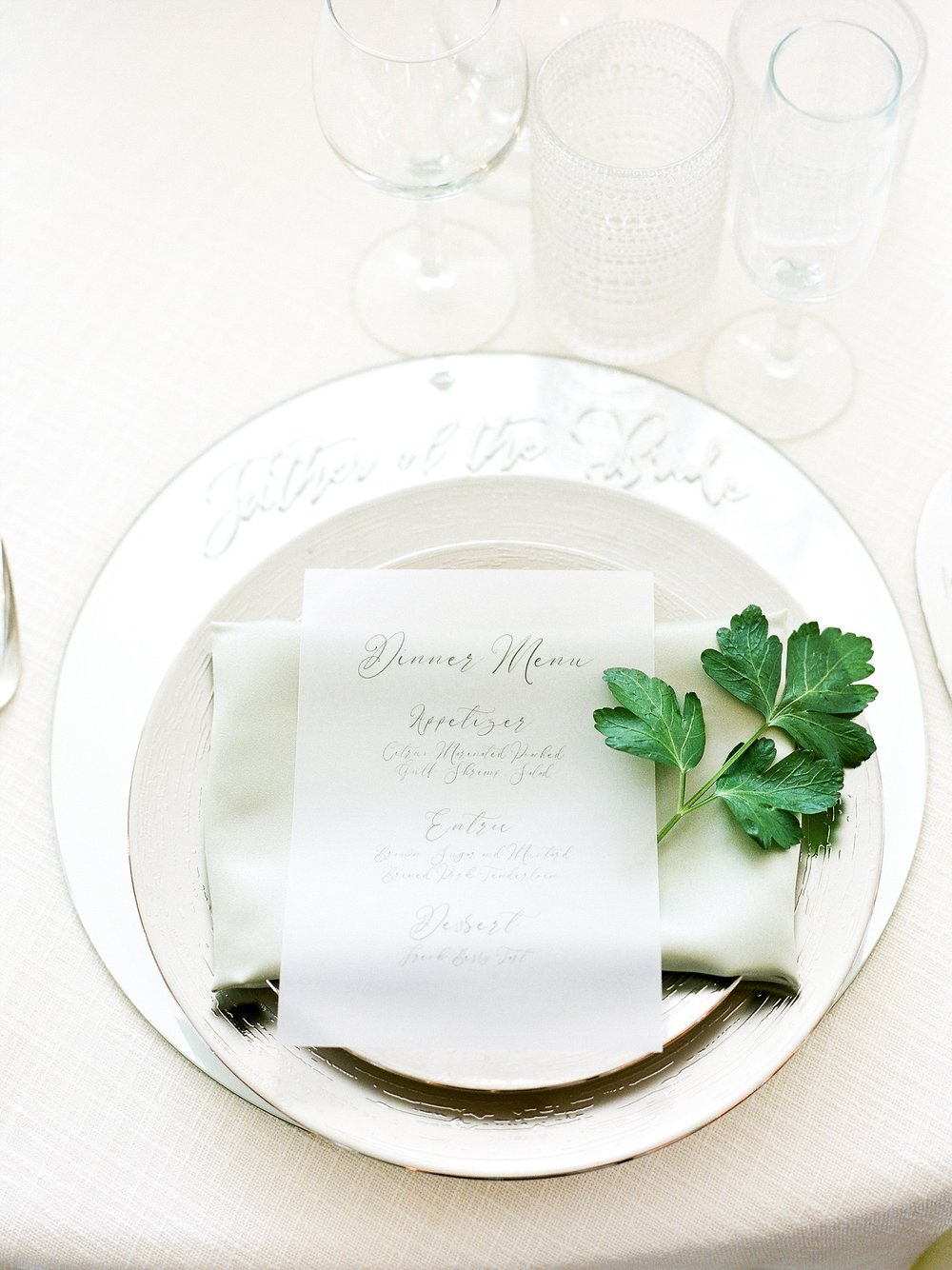 Textural Organic Wedding in All White Venue by Kelsi Kliethermes Wedding Photographer - Missouri, Midwest, and Destinations_0130.jpg