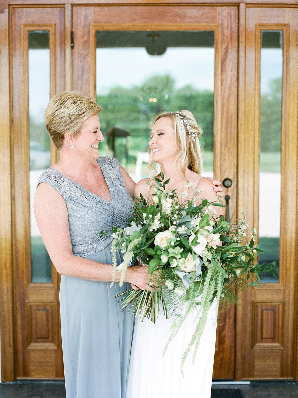 Textural Organic Wedding in All White Venue by Kelsi Kliethermes Wedding Photographer - Missouri, Midwest, and Destinations_0135.jpg
