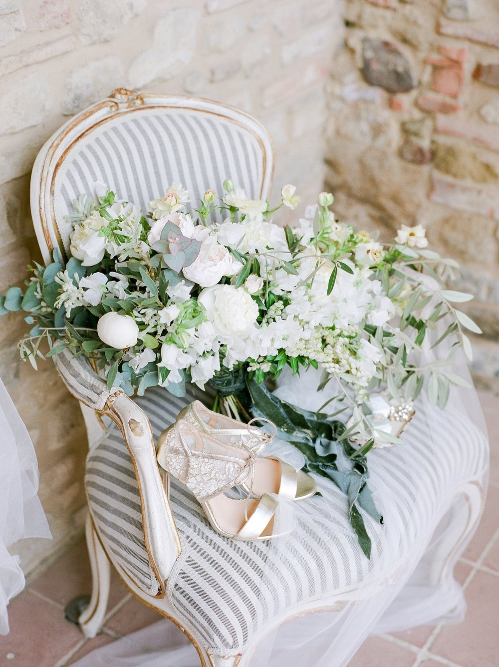 All White Destination Wedding in the Hills of Tuscany Italy at Estate Borgo Petrognano by Kelsi Kliethermes Photography_0027.jpg