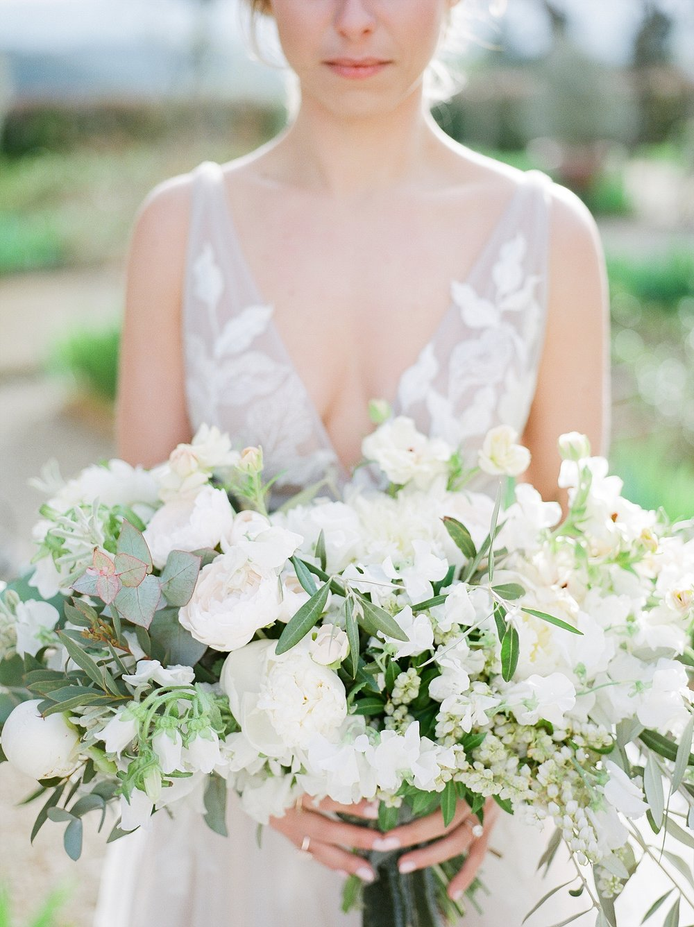 All White Destination Wedding in the Hills of Tuscany Italy at Estate Borgo Petrognano by Kelsi Kliethermes Photography_0045.jpg