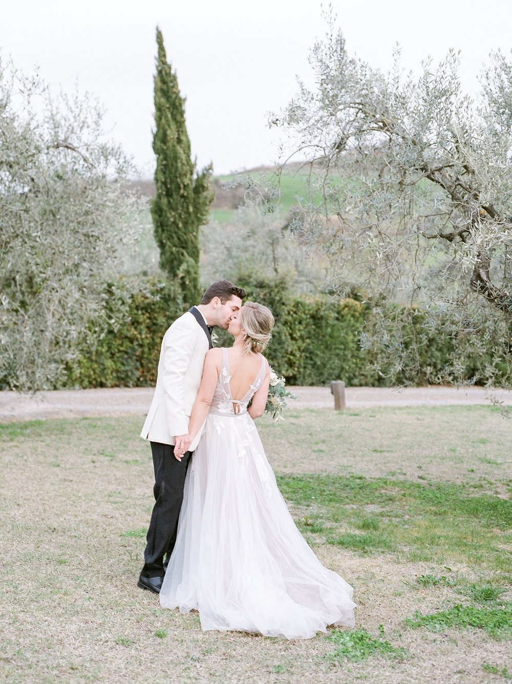 All White Destination Wedding in the Hills of Tuscany Italy at Estate Borgo Petrognano by Kelsi Kliethermes Photography_0057.jpg