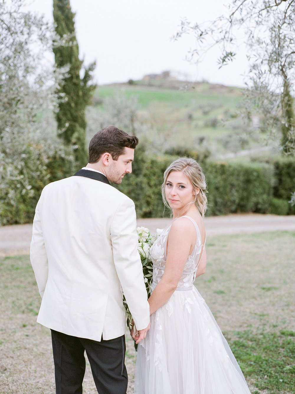 All White Destination Wedding in the Hills of Tuscany Italy at Estate Borgo Petrognano by Kelsi Kliethermes Photography_0059.jpg