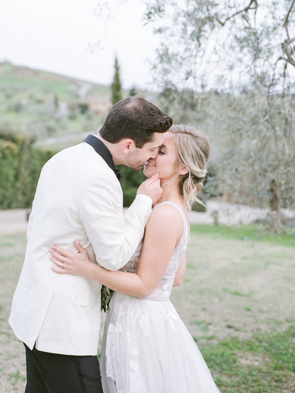 All White Destination Wedding in the Hills of Tuscany Italy at Estate Borgo Petrognano by Kelsi Kliethermes Photography_0061.jpg