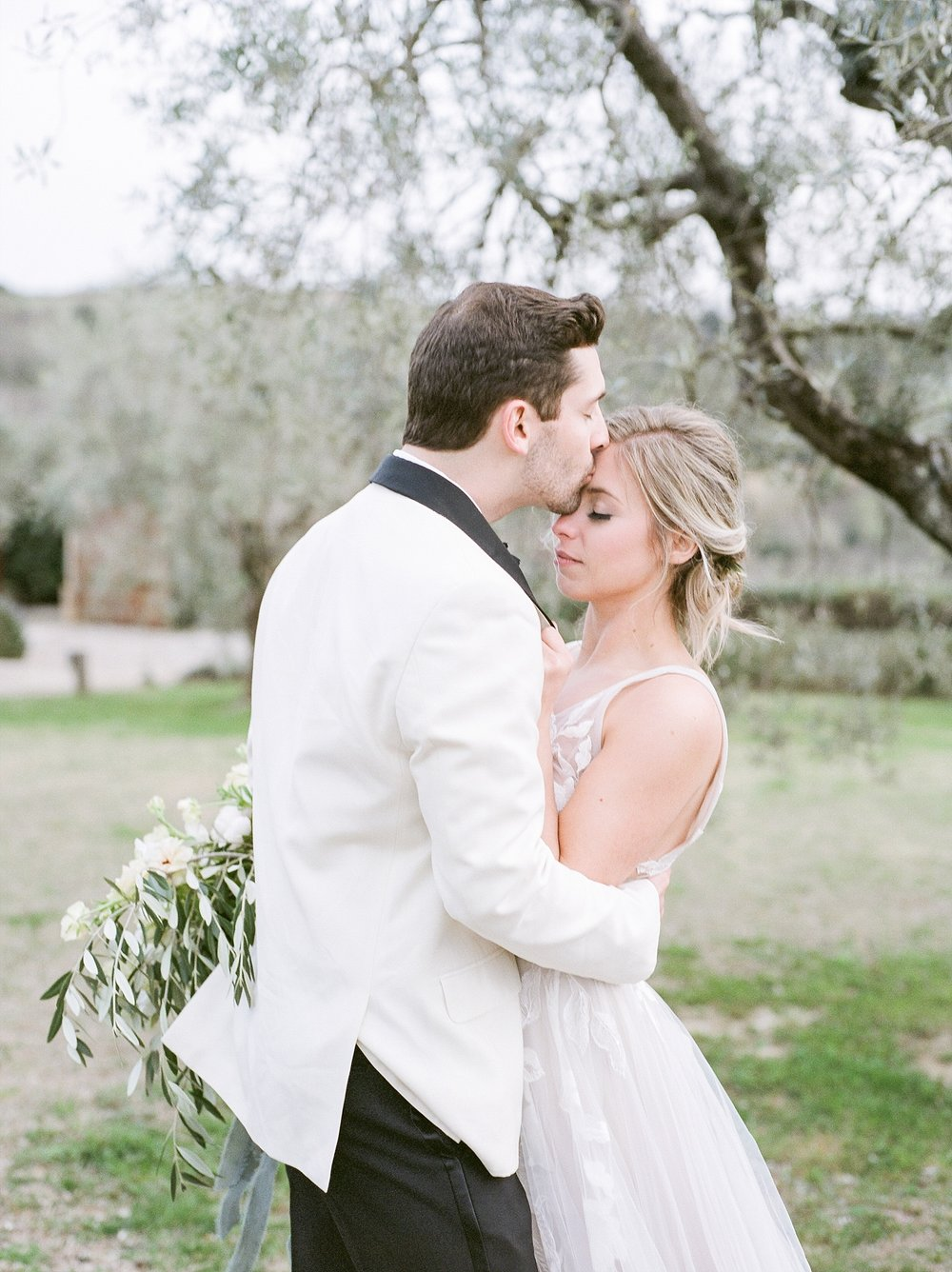 All White Destination Wedding in the Hills of Tuscany Italy at Estate Borgo Petrognano by Kelsi Kliethermes Photography_0063.jpg