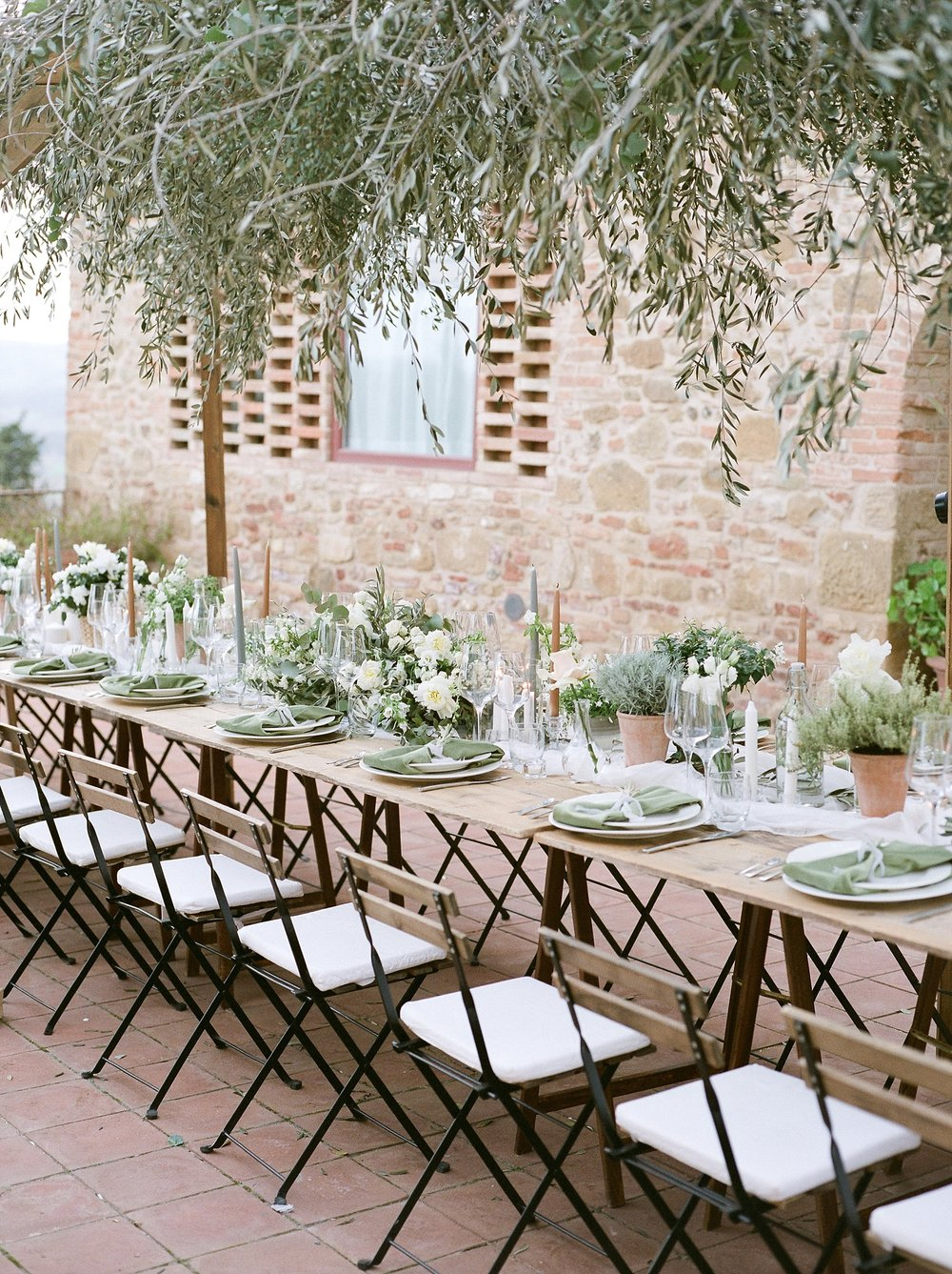 All White Destination Wedding in the Hills of Tuscany Italy at Estate Borgo Petrognano by Kelsi Kliethermes Photography_0067.jpg