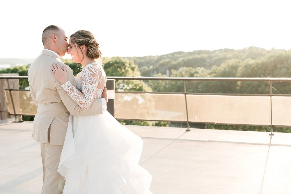 Beachside Sunset Wedding At Lodge Of Four Seasons At Lake Of The Ozarks By Kelsi Kliethermes Photography_0030.jpg