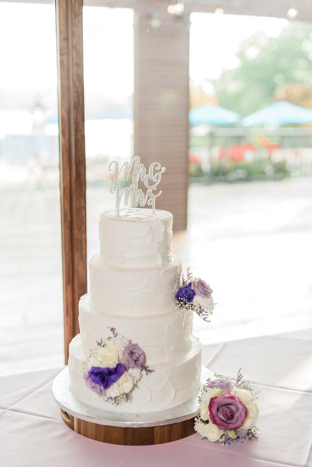 Lavender Hues at Summer Wedding at Innsbrook Resort by Kelsi Kliethermes Photography St. Louis Wedding Photographer_0038.jpg