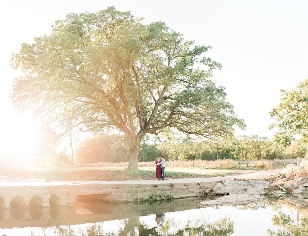 Sunset Maternity Session on Family Farm in Mid Missouri by Kelsi Kliethermes Photography_0001.jpg