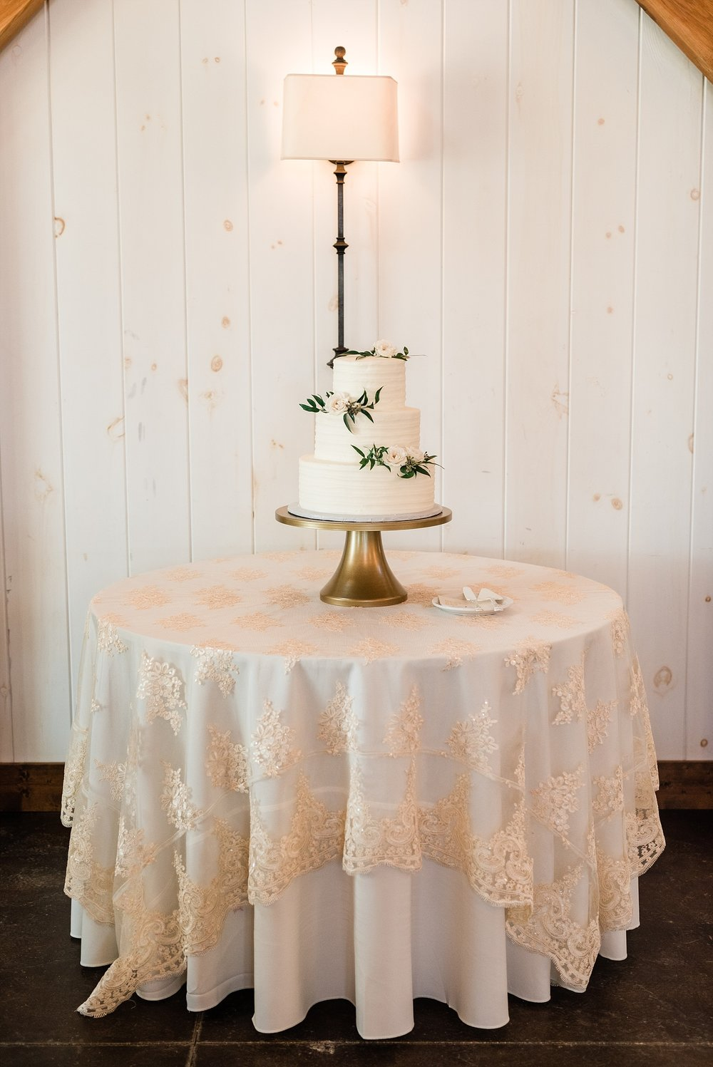 Golden Autumn Outdoor Wedding with Ivory, Bergundy, and Blush Color Palette at Blue Bell Farms  by Kelsi Kliethermes Photography_0080.jpg