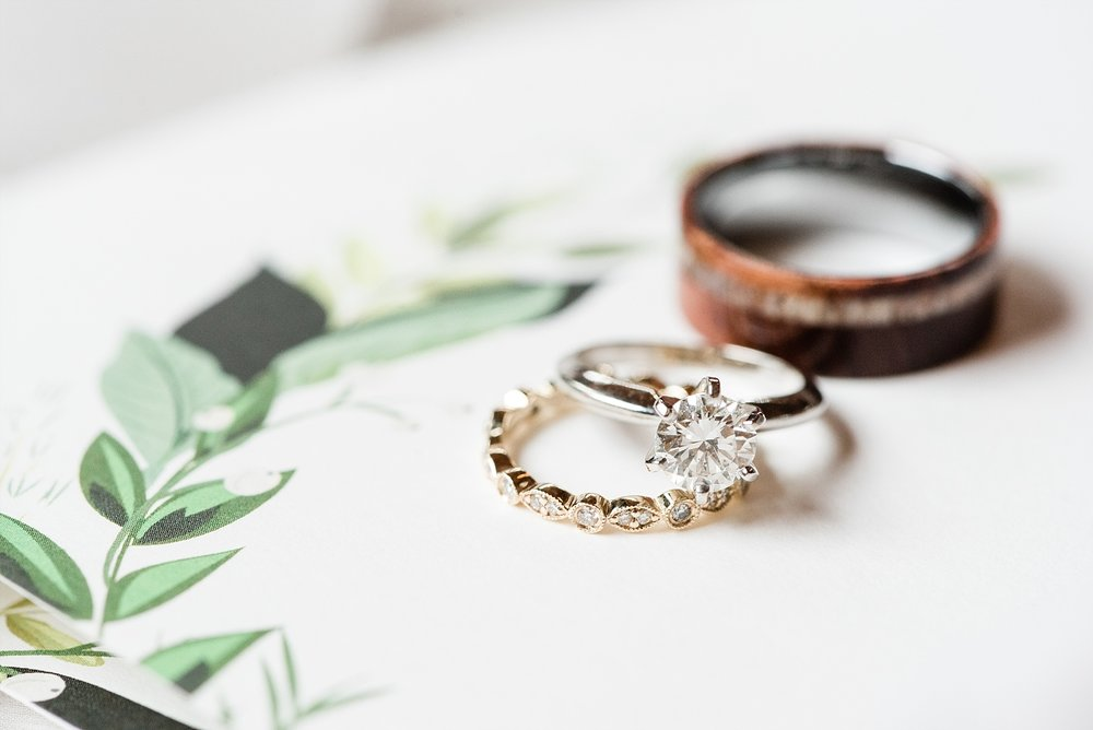 Lakeside Wedding in Fall at Mighty Oak Lodge by Misouri Wedding Photographer Kelsi Kliethermes Photography_0007.jpg