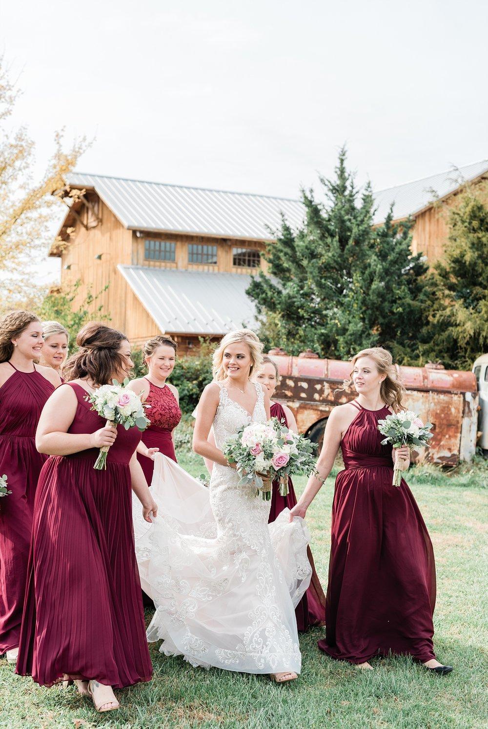 bridesmaids and bridal party at mighty oak lodge missouri