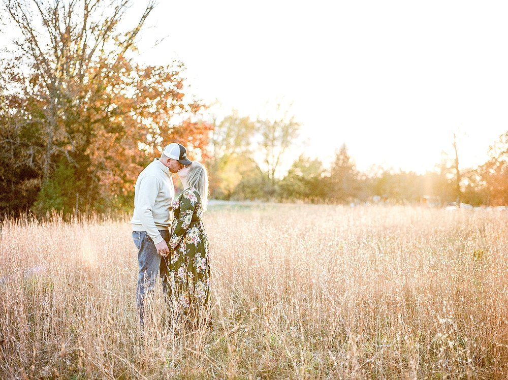 Perfect Sunset Engagement Session in Fall by Kelsi Kliethermes Photography Kansas City Missouri Wedding Photographer_0003.jpg