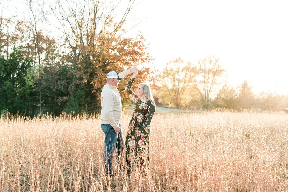 Perfect Sunset Engagement Session in Fall by Kelsi Kliethermes Photography Kansas City Missouri Wedding Photographer_0002.jpg