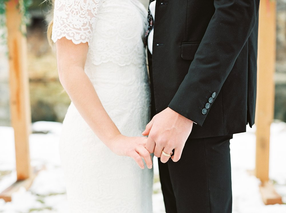Snowy Winter Wedding at Wildcliff Events Lake With Earthy Jewel Tones and Organic Refined Style by Kelsi Kliethermes Photography Kansas City Missouri Wedding Photographer_0015.jpg