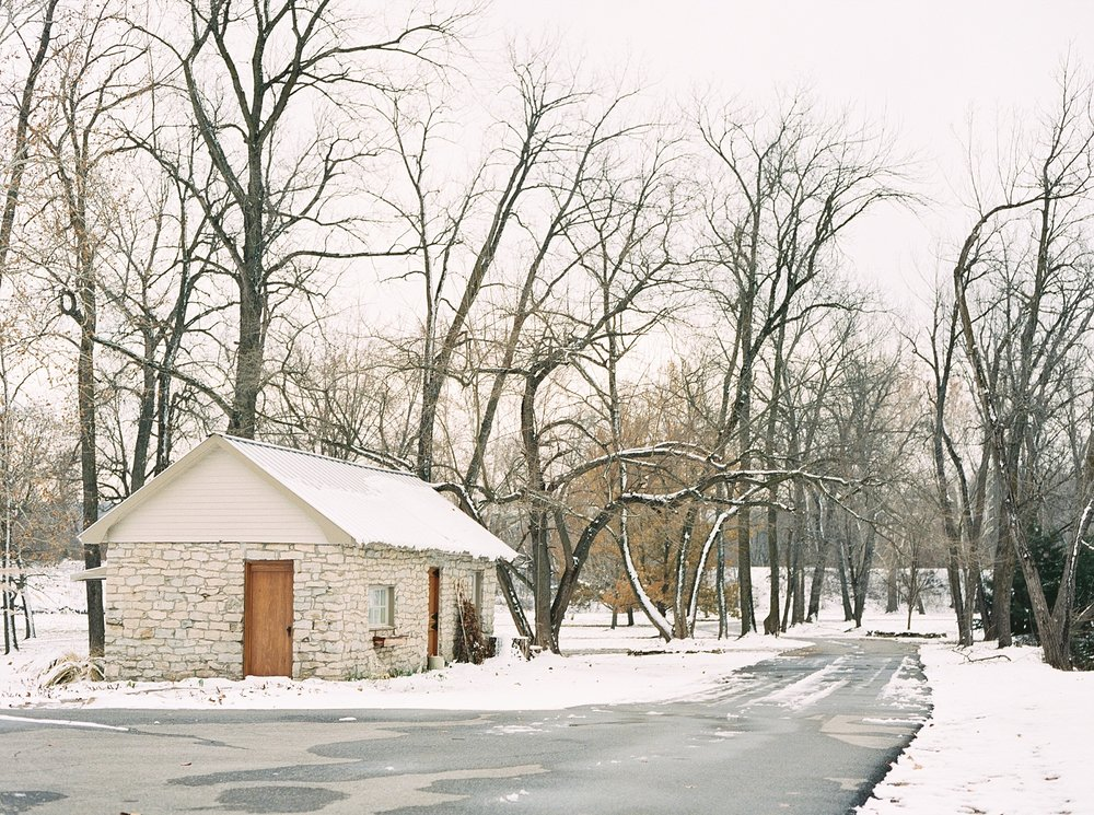 Snowy Winter Wedding at Wildcliff Events Lake With Earthy Jewel Tones and Organic Refined Style by Kelsi Kliethermes Photography Kansas City Missouri Wedding Photographer_0022.jpg