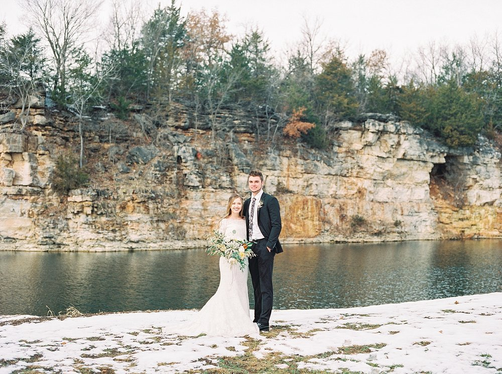 Snowy Winter Wedding at Wildcliff Events Lake With Earthy Jewel Tones and Organic Refined Style by Kelsi Kliethermes Photography Kansas City Missouri Wedding Photographer_0029.jpg