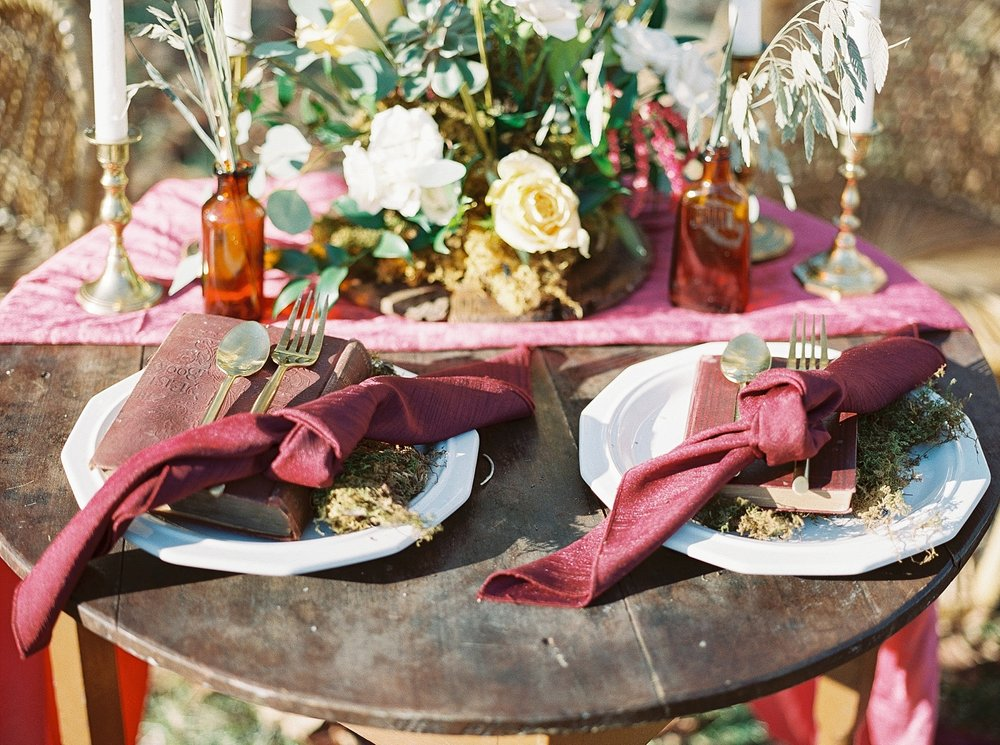Snowy Winter Wedding at Wildcliff Events Lake With Earthy Jewel Tones and Organic Refined Style by Kelsi Kliethermes Photography Kansas City Missouri Wedding Photographer_0046.jpg