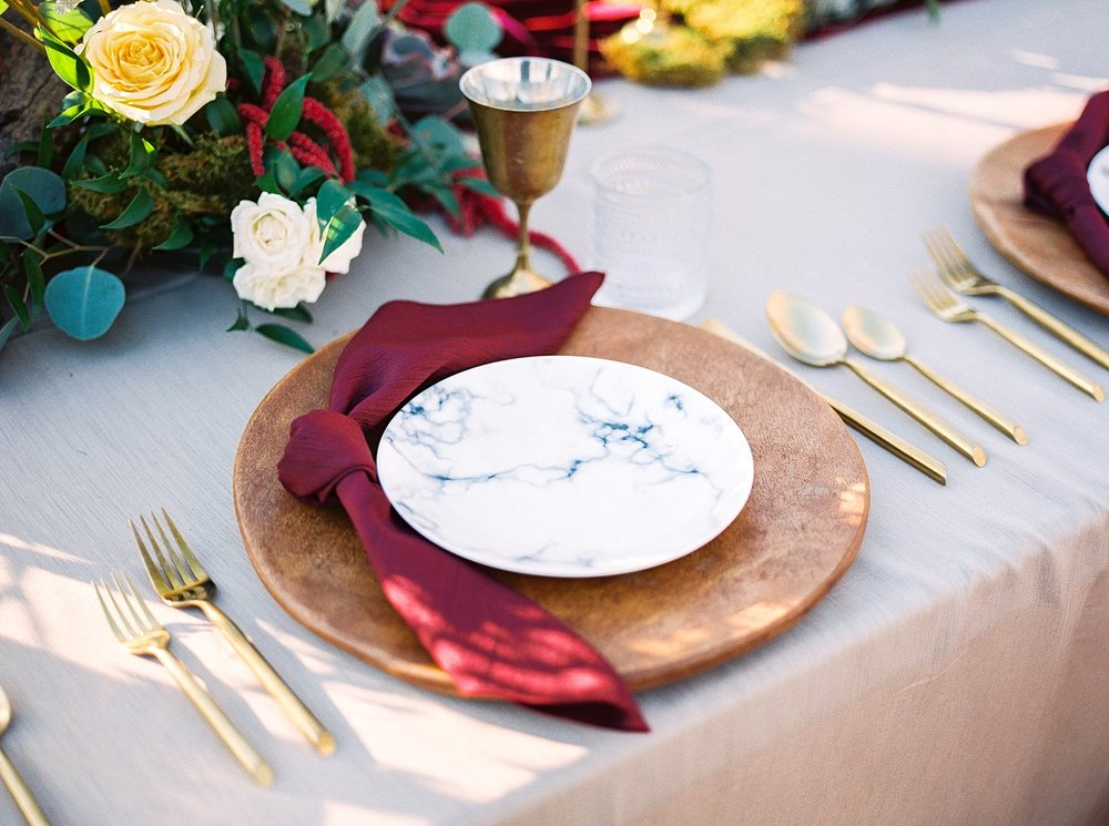 Snowy Winter Wedding at Wildcliff Events Lake With Earthy Jewel Tones and Organic Refined Style by Kelsi Kliethermes Photography Kansas City Missouri Wedding Photographer_0059.jpg