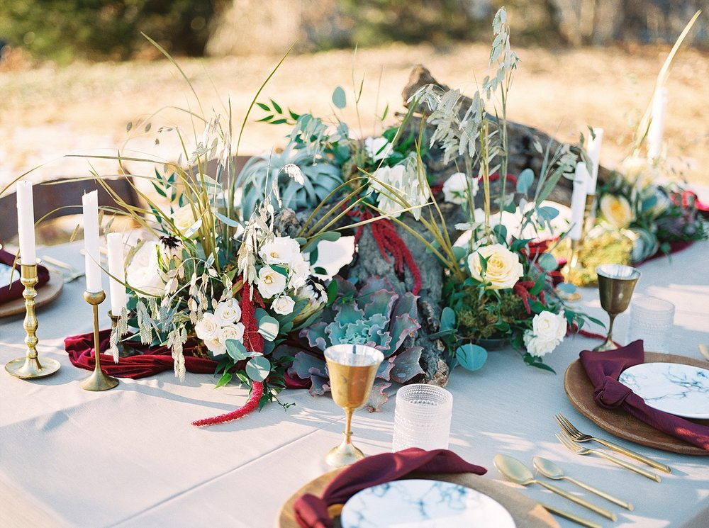 Snowy Winter Wedding at Wildcliff Events Lake With Earthy Jewel Tones and Organic Refined Style by Kelsi Kliethermes Photography Kansas City Missouri Wedding Photographer_0060.jpg