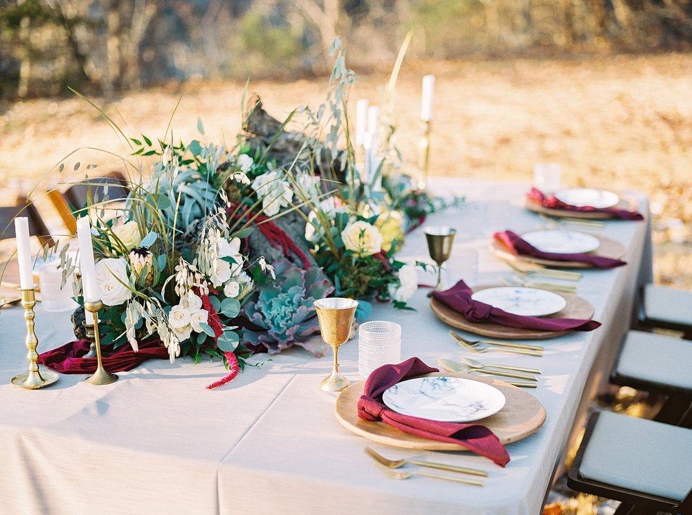 Snowy Winter Wedding at Wildcliff Events Lake With Earthy Jewel Tones and Organic Refined Style by Kelsi Kliethermes Photography Kansas City Missouri Wedding Photographer_0061.jpg