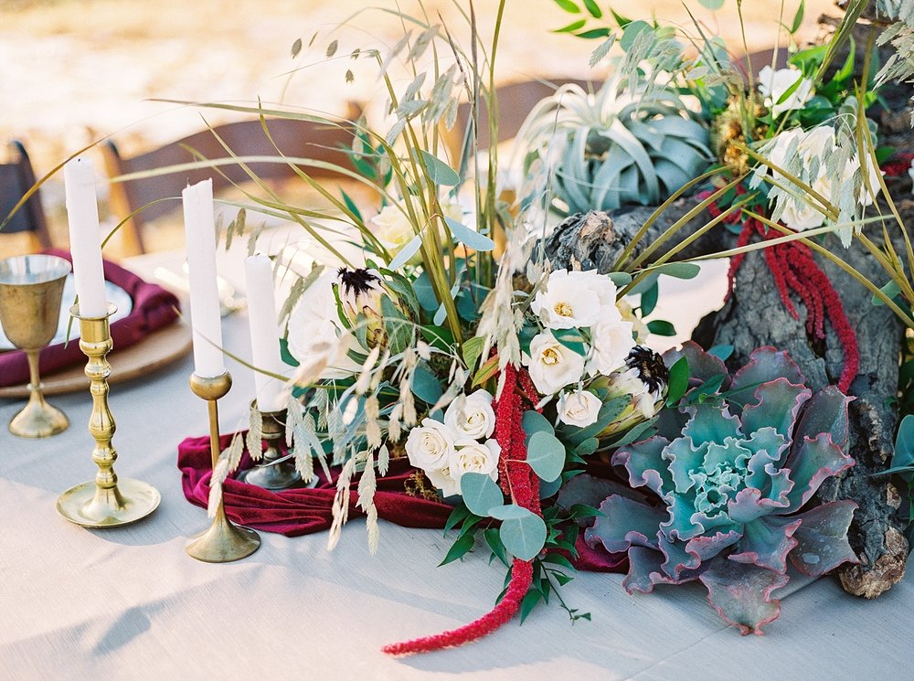 Snowy Winter Wedding at Wildcliff Events Lake With Earthy Jewel Tones and Organic Refined Style by Kelsi Kliethermes Photography Kansas City Missouri Wedding Photographer_0062.jpg