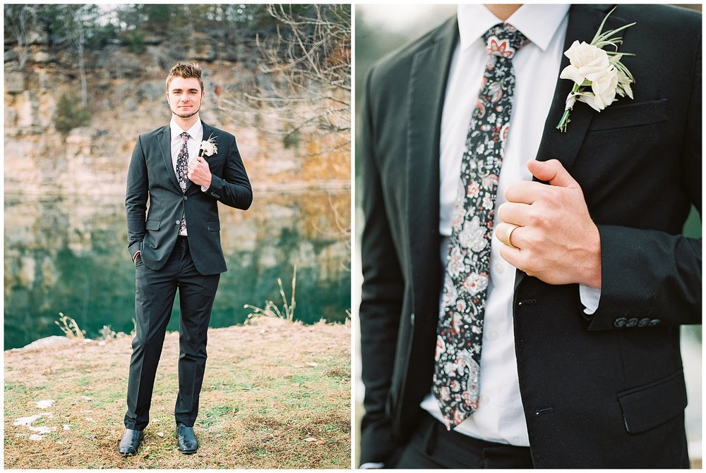 Snowy Winter Wedding at Wildcliff Events Lake With Earthy Jewel Tones and Organic Refined Style by Kelsi Kliethermes Photography Kansas City Missouri Wedding Photographer_0082.jpg