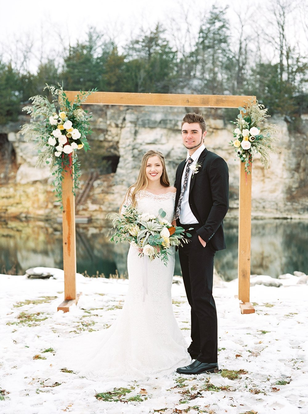 Snowy Winter Wedding at Wildcliff Events Lake With Earthy Jewel Tones and Organic Refined Style by Kelsi Kliethermes Photography Kansas City Missouri Wedding Photographer_0109.jpg