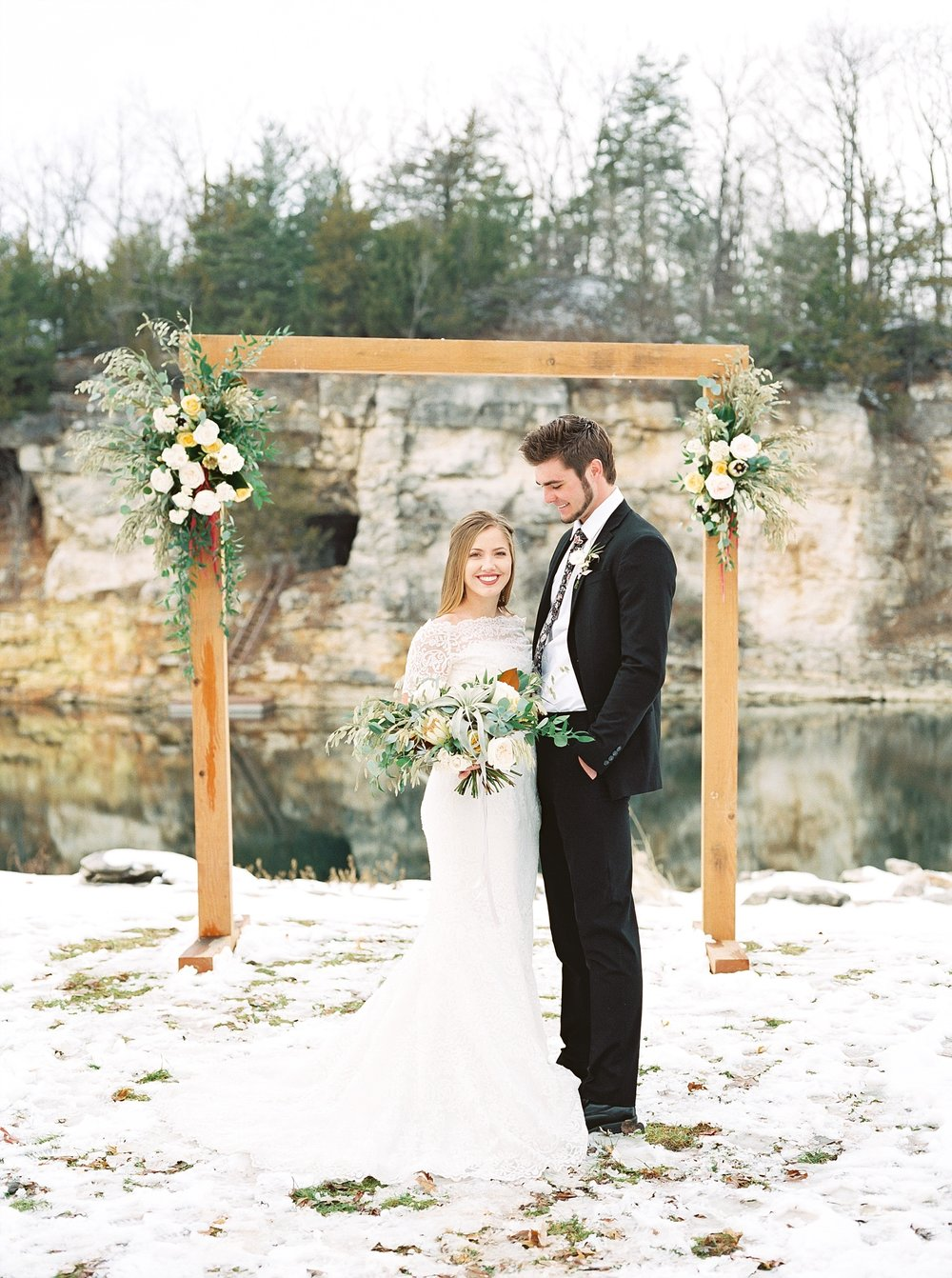 Snowy Winter Wedding at Wildcliff Events Lake With Earthy Jewel Tones and Organic Refined Style by Kelsi Kliethermes Photography Kansas City Missouri Wedding Photographer_0111.jpg