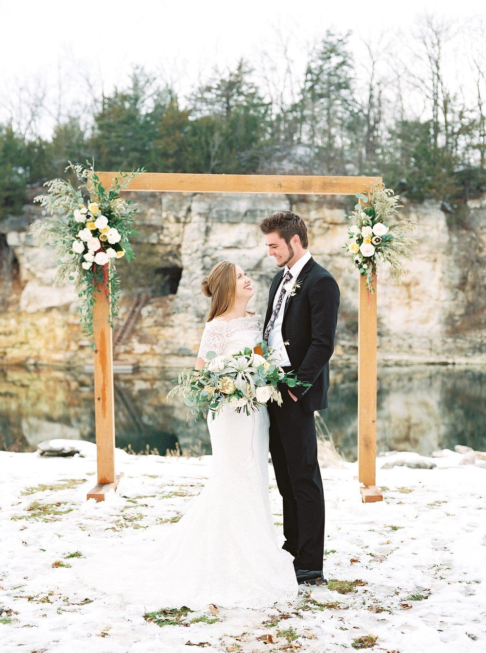 Snowy Winter Wedding at Wildcliff Events Lake With Earthy Jewel Tones and Organic Refined Style by Kelsi Kliethermes Photography Kansas City Missouri Wedding Photographer_0112.jpg