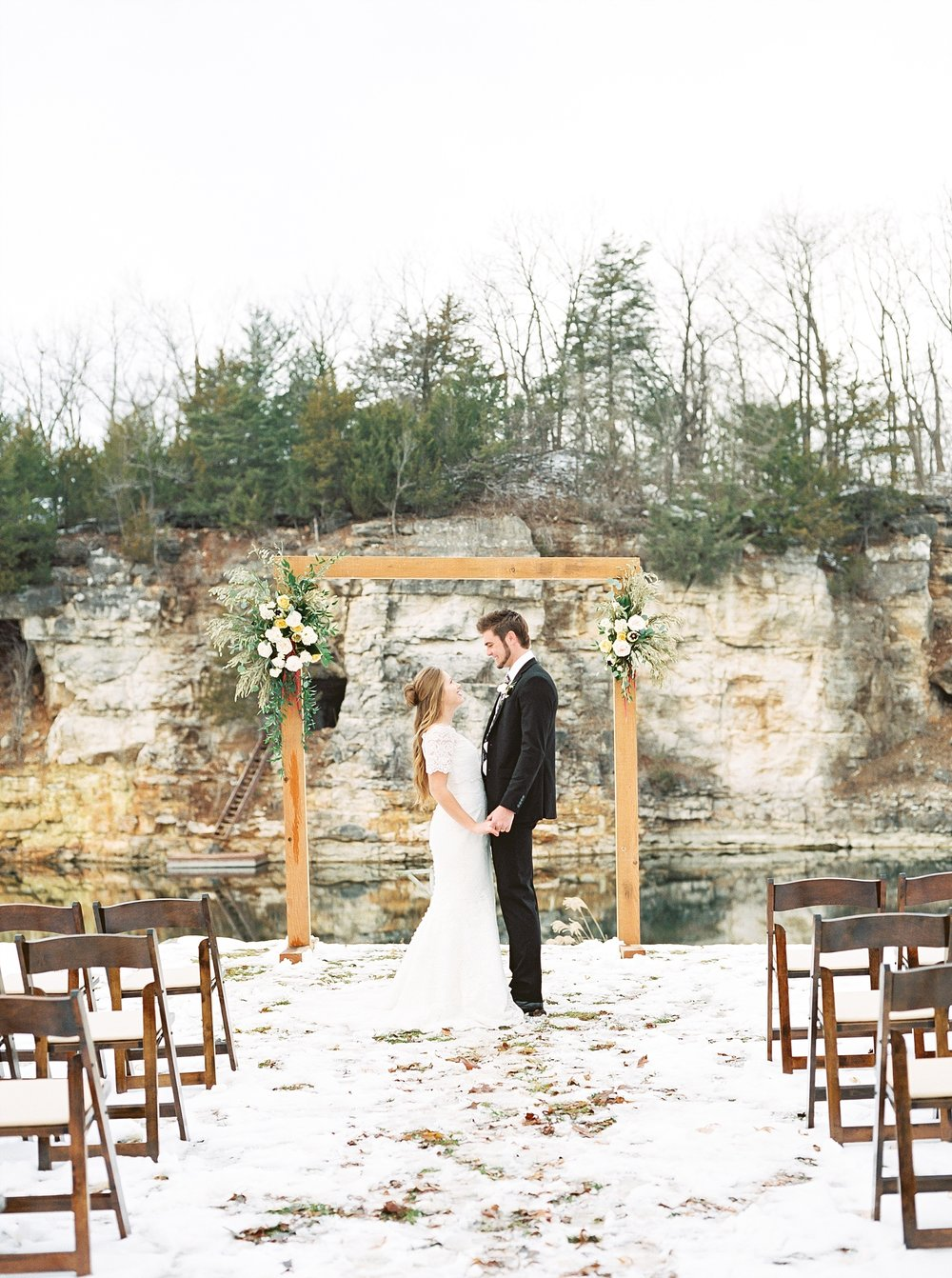 Snowy Winter Wedding at Wildcliff Events Lake With Earthy Jewel Tones and Organic Refined Style by Kelsi Kliethermes Photography Kansas City Missouri Wedding Photographer_0113.jpg