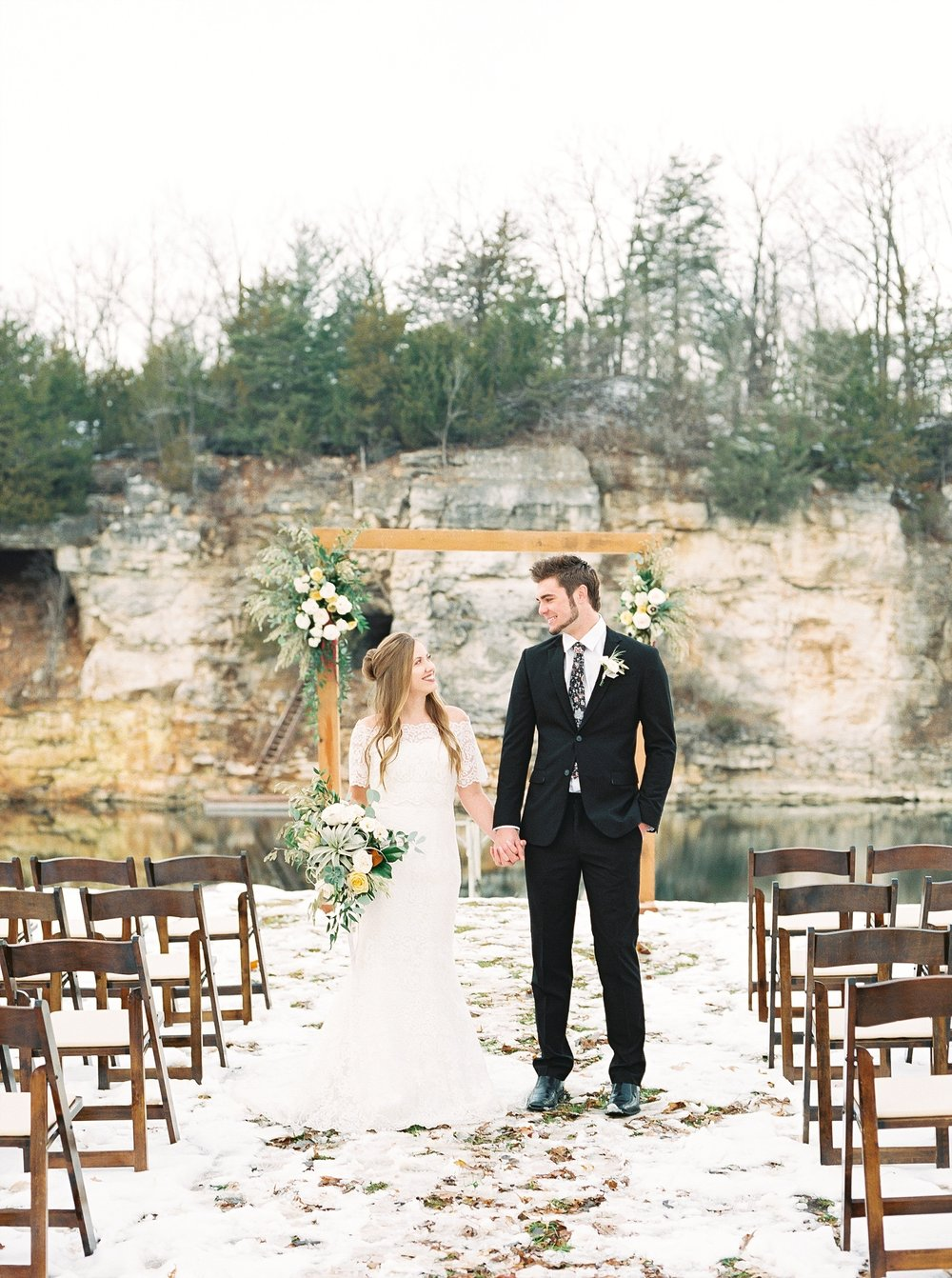 Snowy Winter Wedding at Wildcliff Events Lake With Earthy Jewel Tones and Organic Refined Style by Kelsi Kliethermes Photography Kansas City Missouri Wedding Photographer_0116.jpg