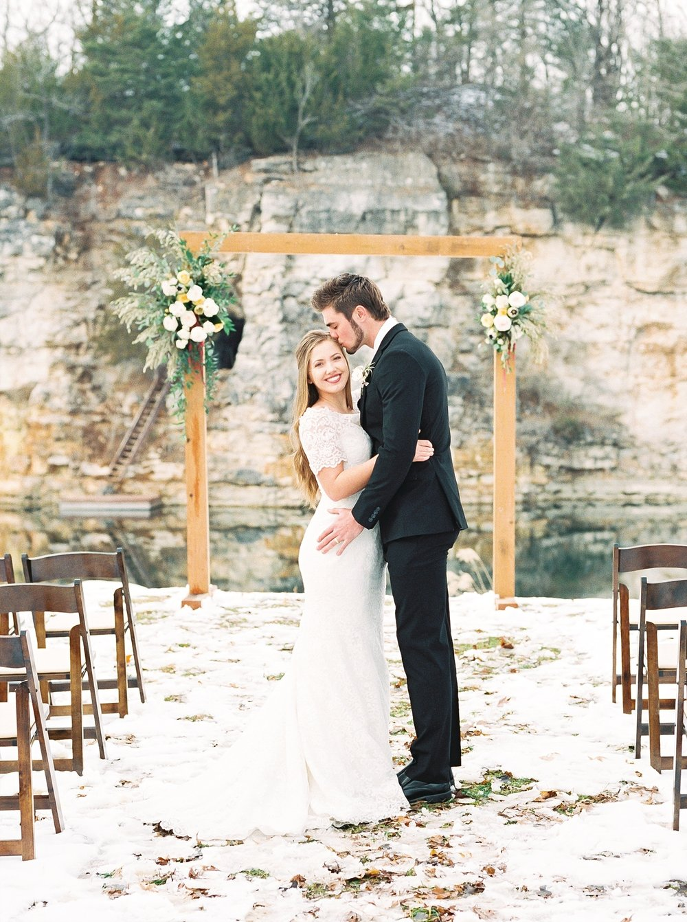 Snowy Winter Wedding at Wildcliff Events Lake With Earthy Jewel Tones and Organic Refined Style by Kelsi Kliethermes Photography Kansas City Missouri Wedding Photographer_0117.jpg